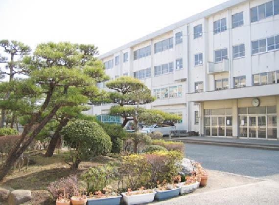 浜須賀中学校 徒歩約6分/約430m
