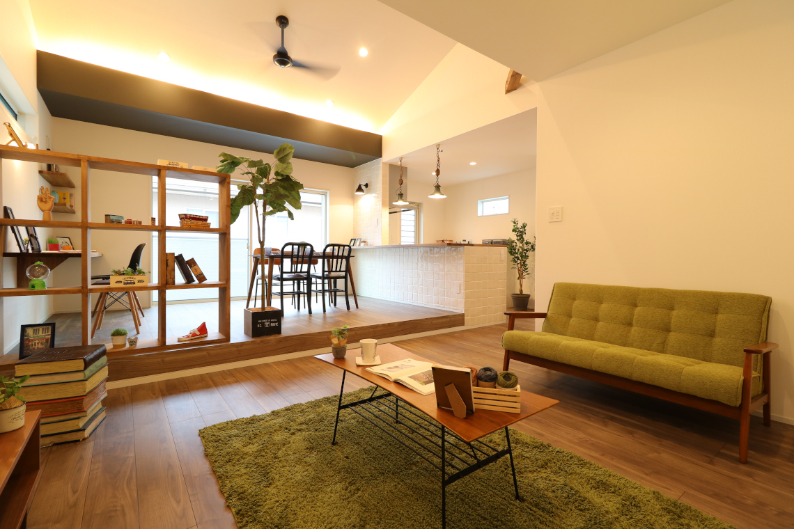 リビングインテリア術やわらかい間接照明の家